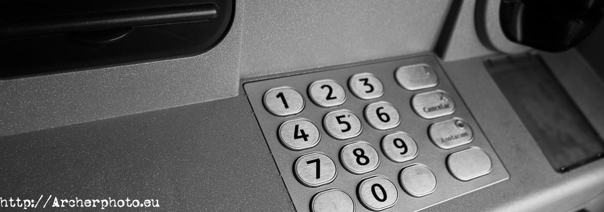 ¿Si marco el PIN del cajero automático al revés aviso a la Policía?