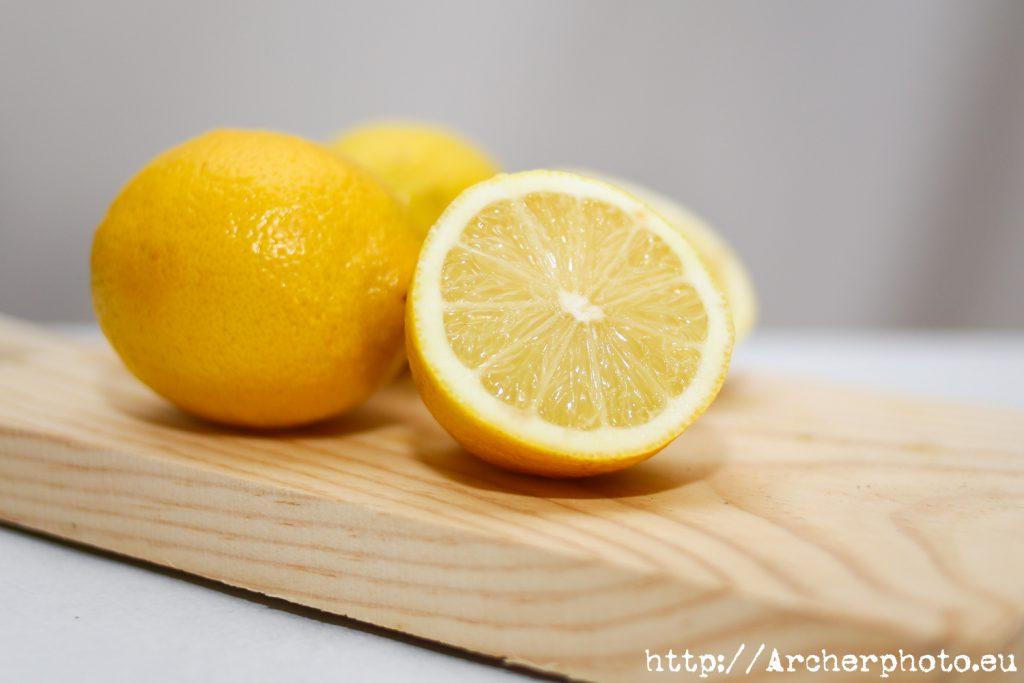 La vitamina C ni cura ni previene el COVID-19 ni el resfriado común. Bulos sobre el coronavirus