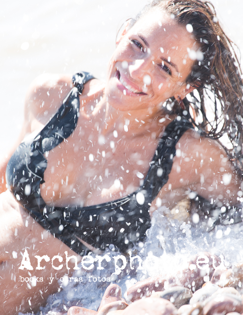 Recent pictures, potrait in the beach, by Archerphoto, professional photographer in Spain