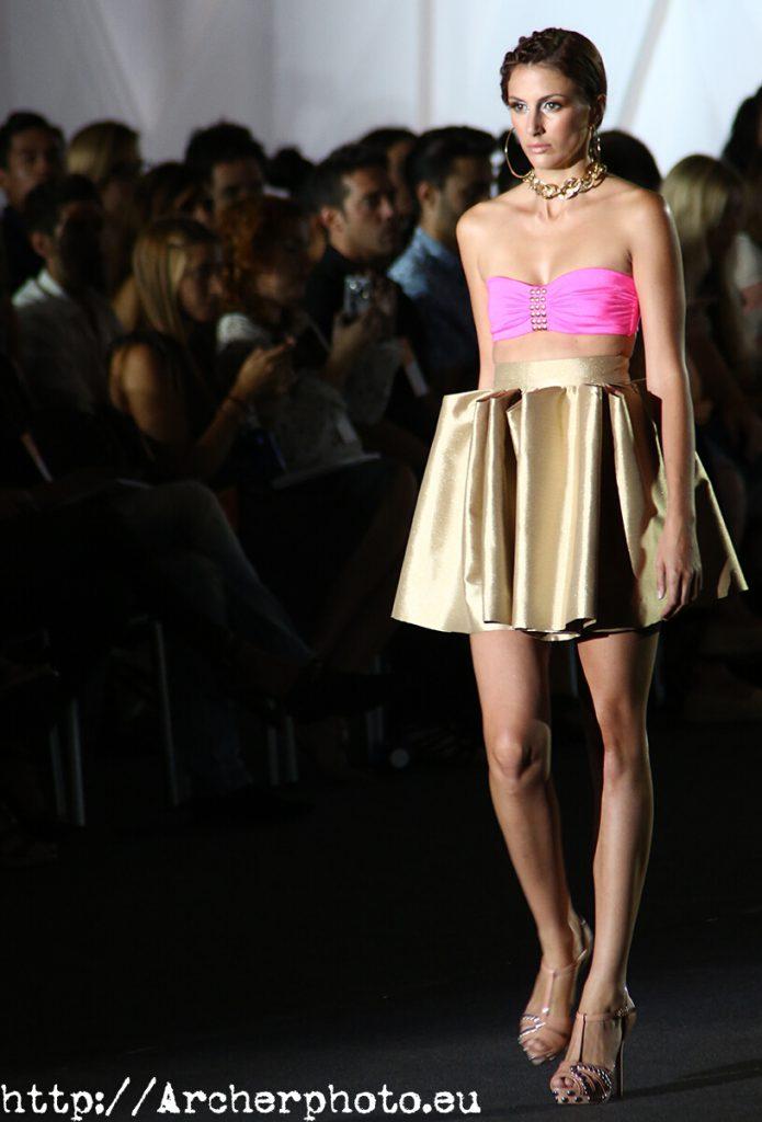 Carla Denecker en la Valencia Fashion Week 2012 - Trabajar de modelo,ser modelo,modelar