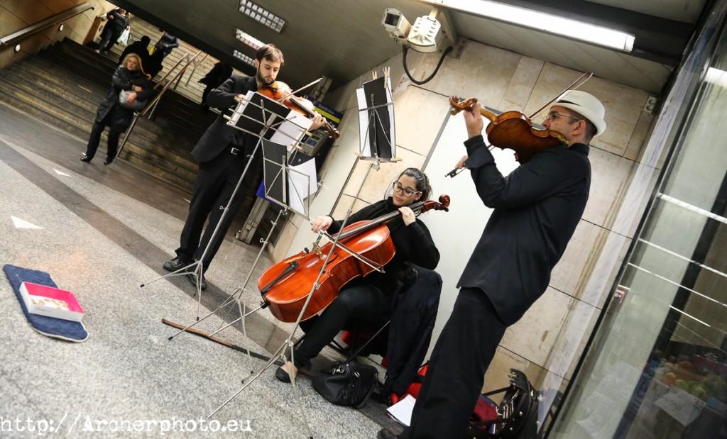 Cuarteto Cuerdas Curvas - Música & Metro