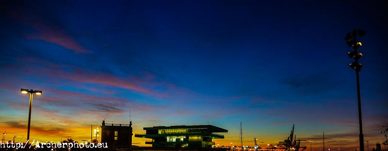 foto del cielo en Valencia de madrugada por Archerphoto, fotografo profesional