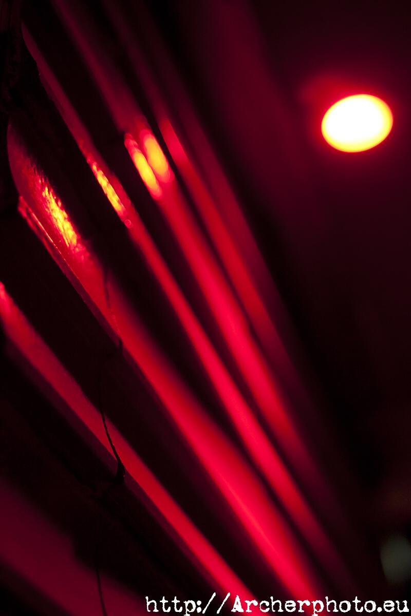 red wall,pared roja,cuatro fotos rojas