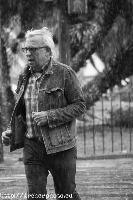 Foto de Sergi Albir, fotógrafo que se pone contento cuando llueve