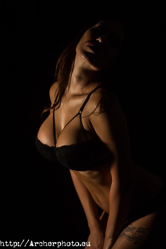 sesiones de fotografía boudoir en Valencia por Archerphoto, fotógrafo profesional