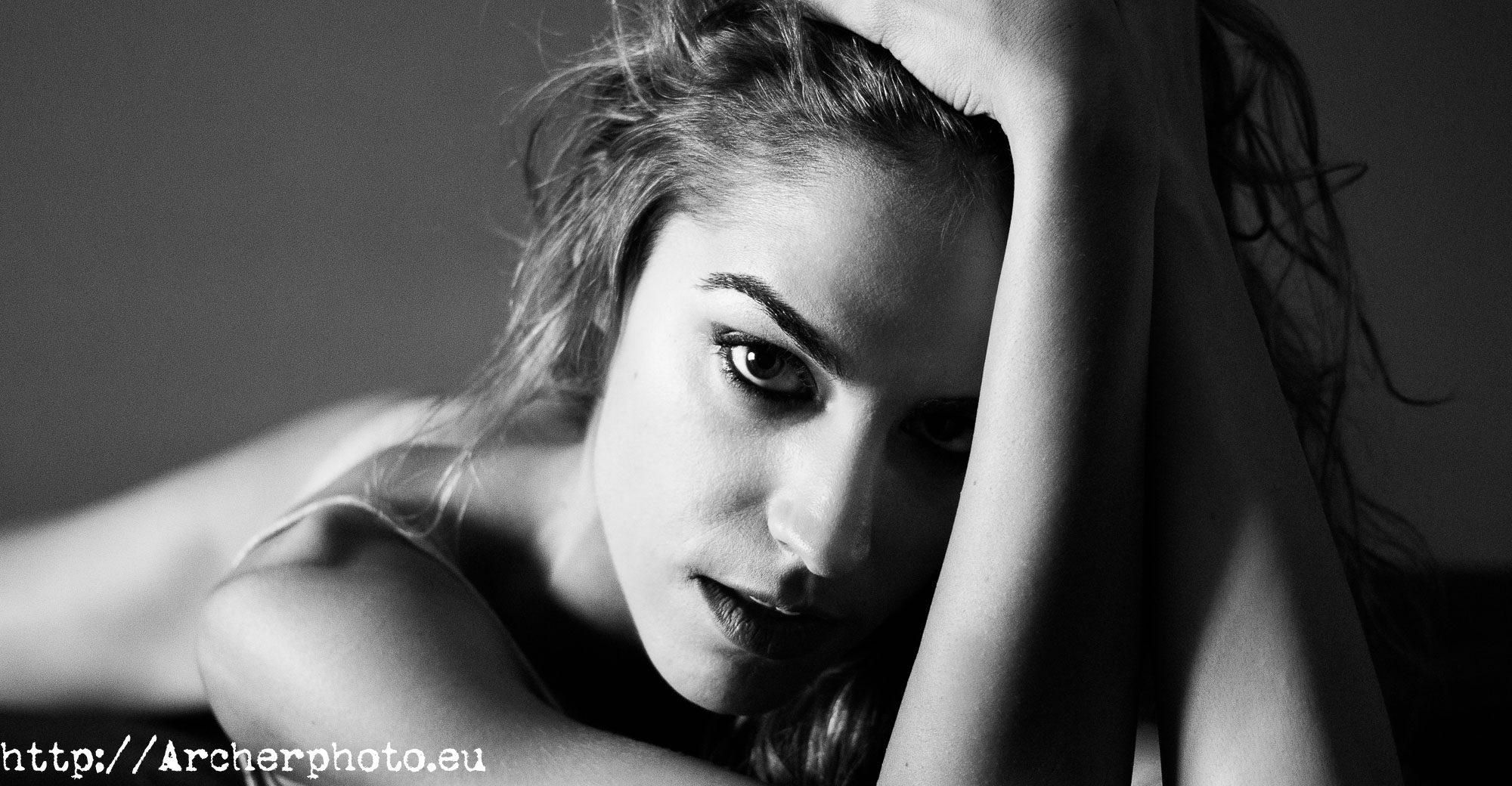 una foto de Sara - Archerphoto - sesiones de fotos en Valencia - boudoir
