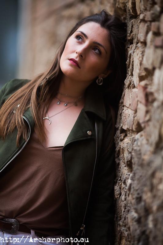 ¿Por qué no salgo bien en las fotos? ¿Por qué salgo mal en las fotos? Retrato de Iris por Archerphoto, fotógrafo profesional en Valencia