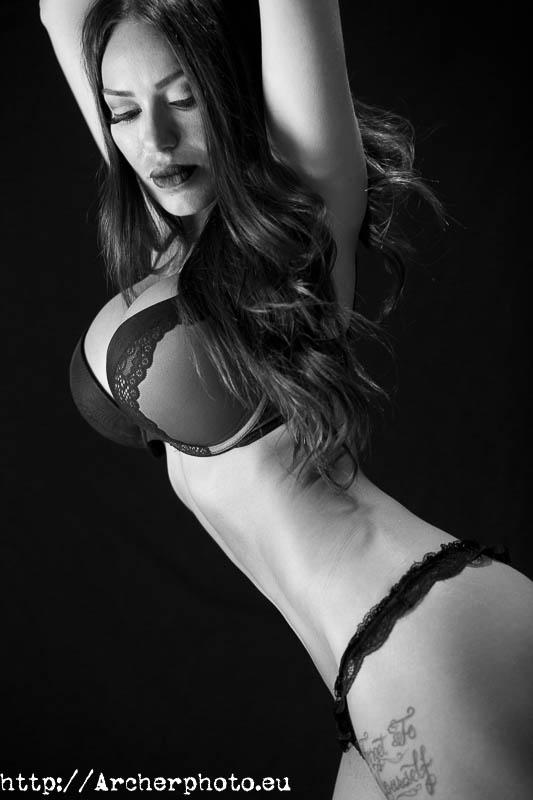 Boudoir en blanco y negro, Archerphoto, fotógrafo profesional Valencia, España