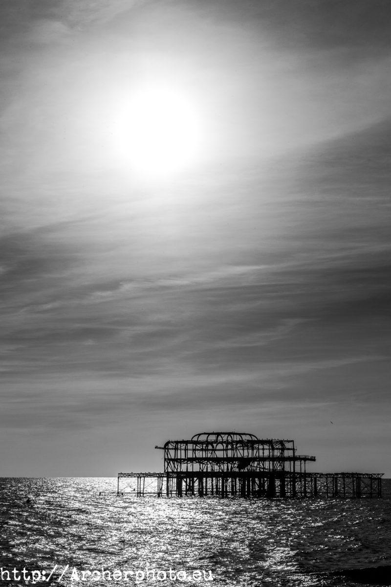 Old Pier in Brighton, black and white, foto en blanco y negro de Brighton