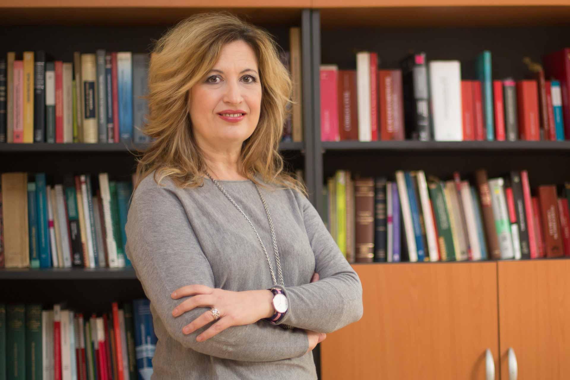 María José Martí en su despacho en Valencia, retrato profesional