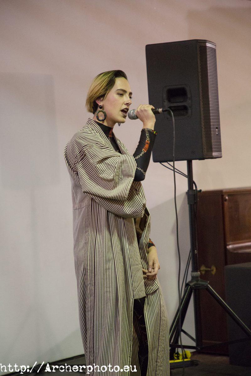 cantando, por Archerphoto, fotografos Valencia