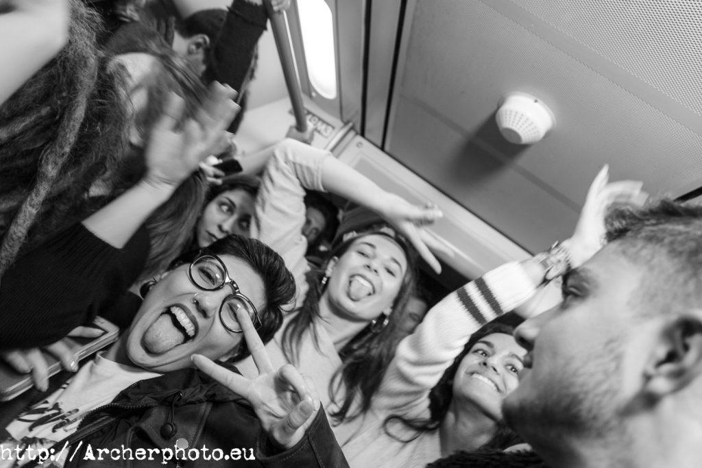fiesta nocturna en el metro de Valencia,fotografo Valencia