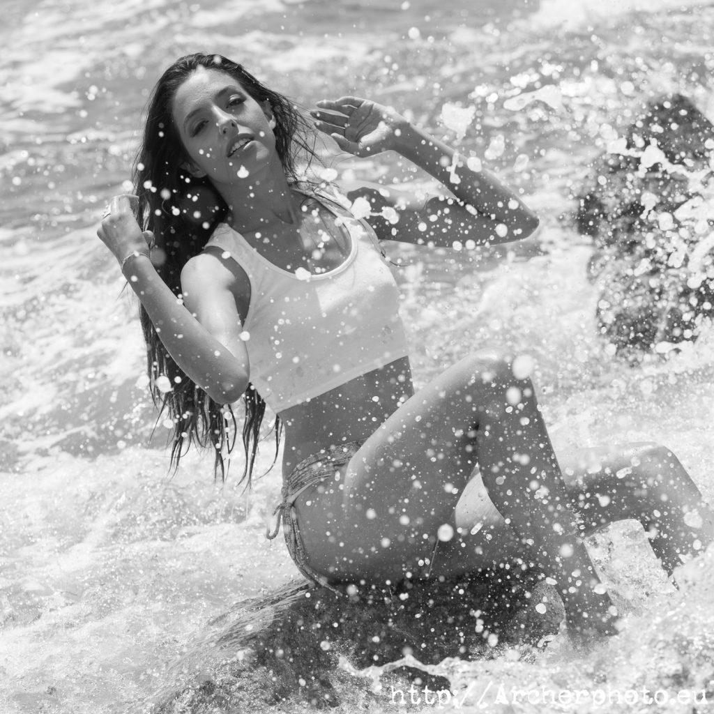 Barbara en el agua, fotografos Valencia, Barbara Isabel, fotos en Moraira, Jávea, Denia, Benidorm
