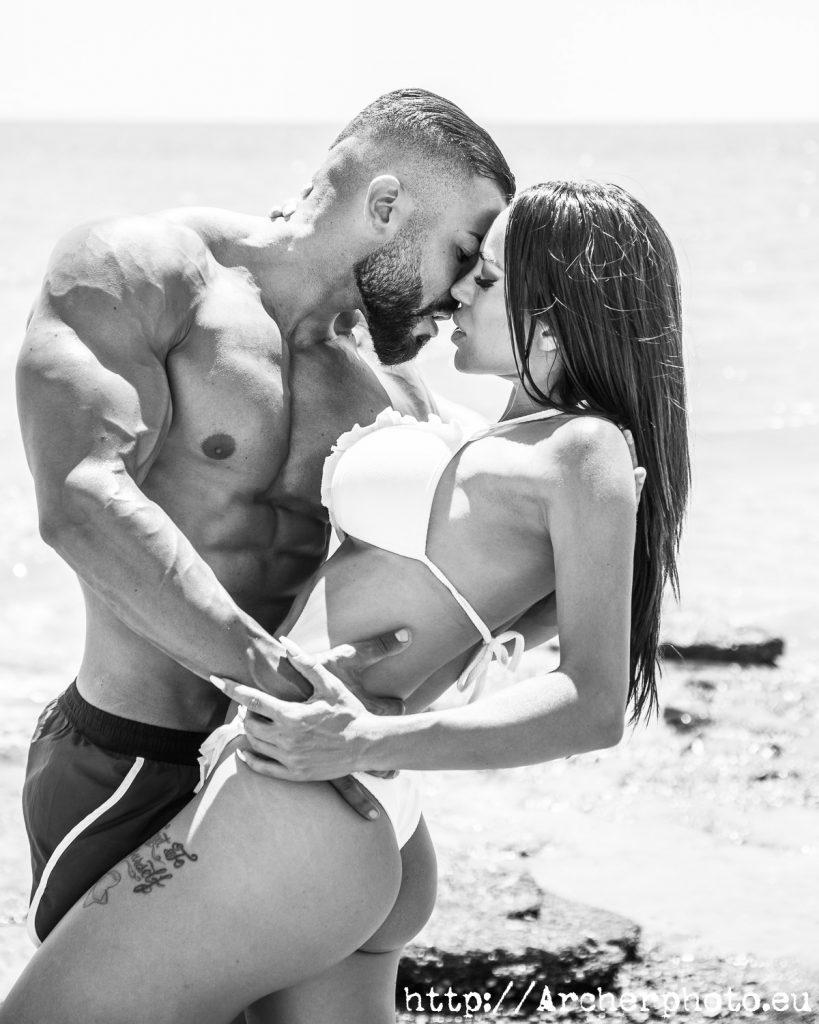 Fotos de pareja en la playa. Jacobo y Vicctoria en su sesión fotográfica.