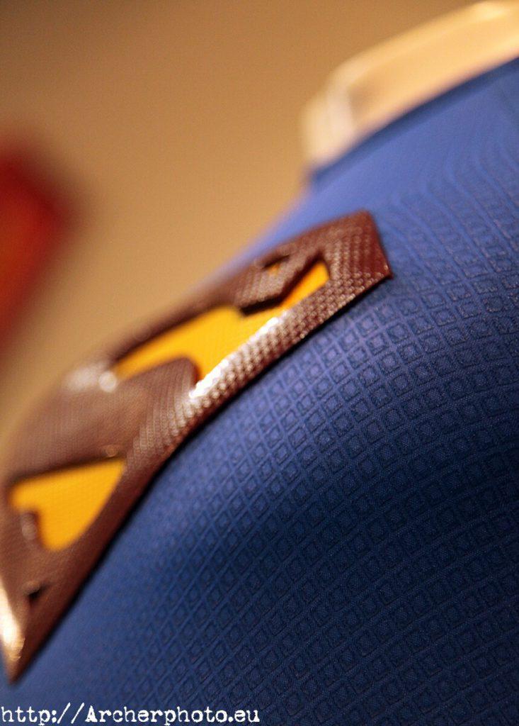 El color del año: Classic Blue, detalle del traje de Superman