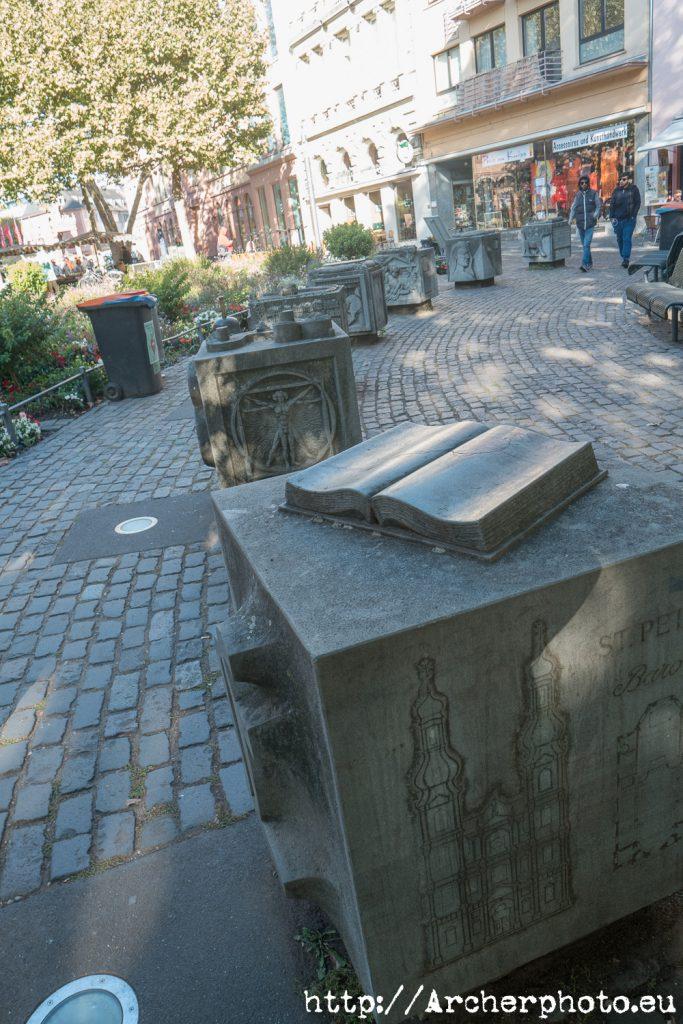 Gutenberg y Maguncia, hay homenajes por toda la ciudad. Foto de Sergi Albir, fotografo.