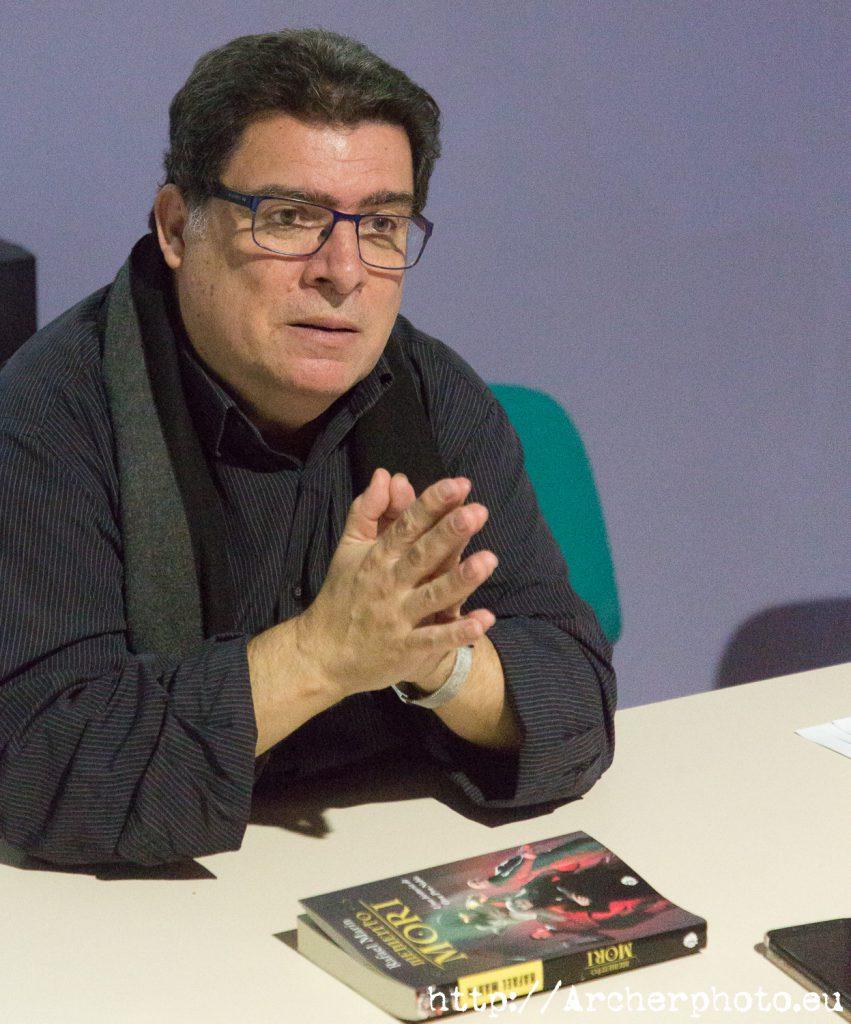 """Rafael Marín, en una foto para el post """"cómo ayudar a tus autores favoritos"""" de Sergi Albir"""